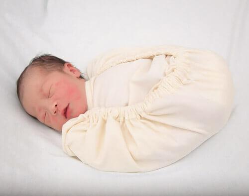 Bébé enveloppé